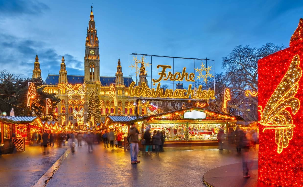 1480436165-vienna-christmas-market