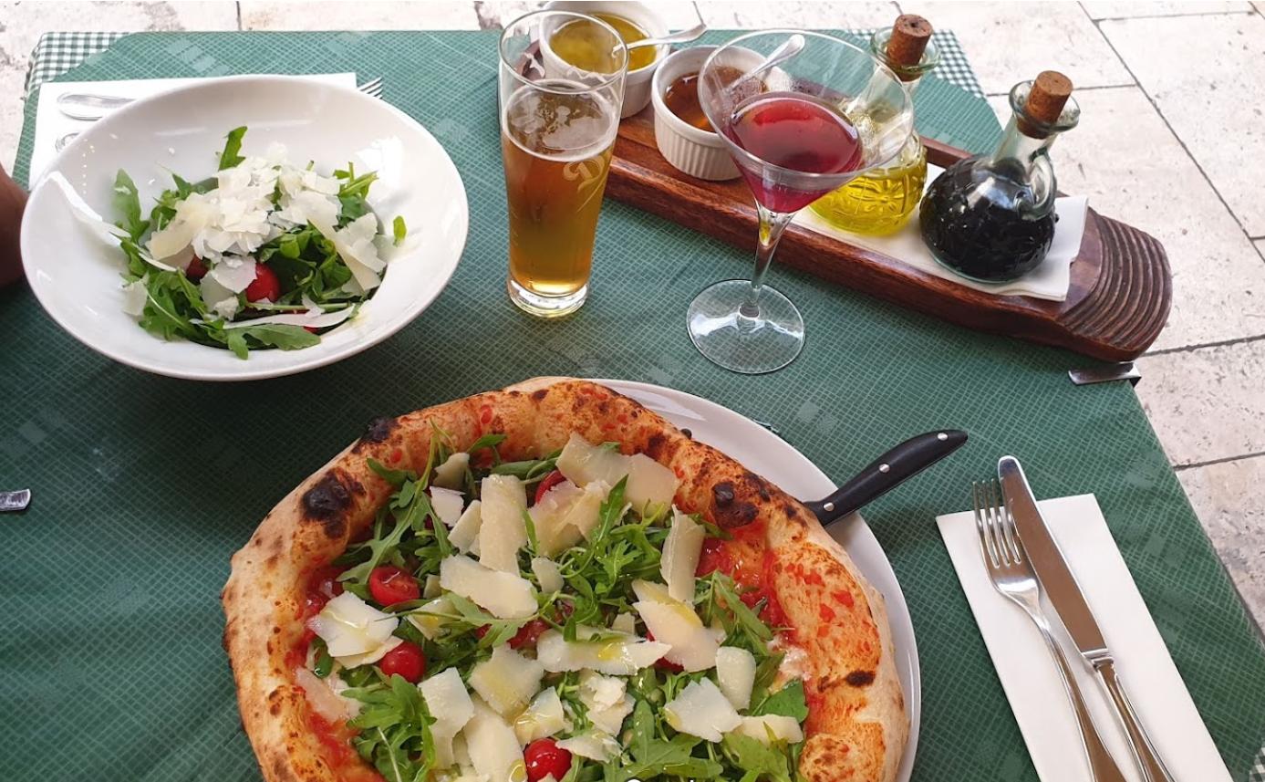 פיצרייה בבודפשט - מסעדת קופולה
