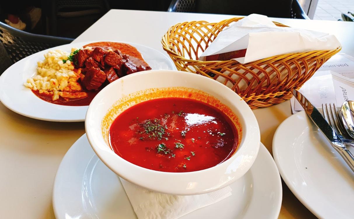 מסעדת מנזה