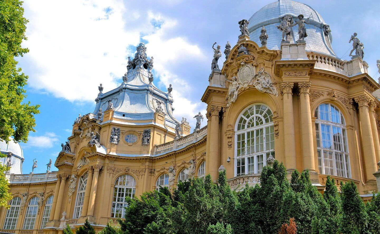 מוזיאון החקלאות בטירת ויידהוניאד בבודפשט