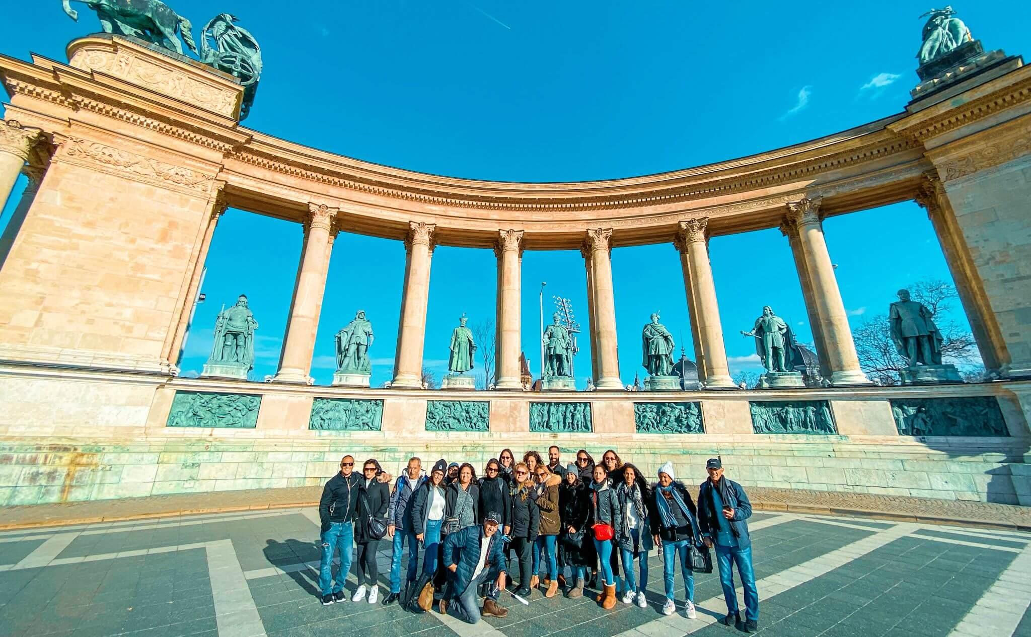סיור רכוב בעברית בבודפשט - כיכר הגיבורים