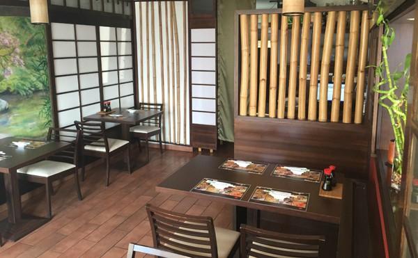 Bambuszliget Japanese Sushi Bar in Budapest מסעדת סושי בבודפשט
