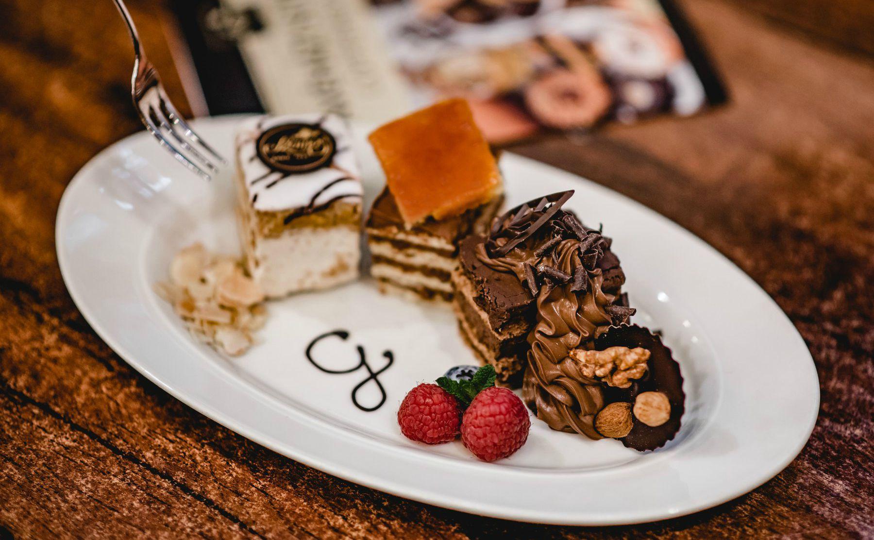 szamous gourmet haz קונדיטוריה בבודפשט