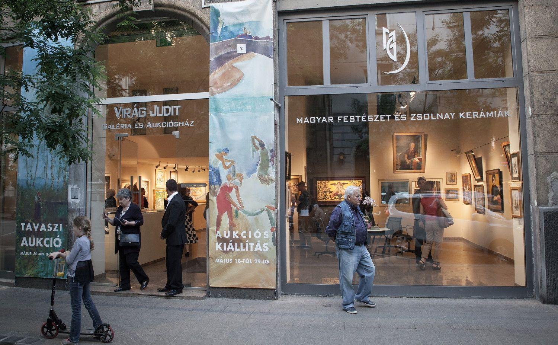 חנויות עתיקות וגלריות רחוב פאלק מיקשה בודפשט