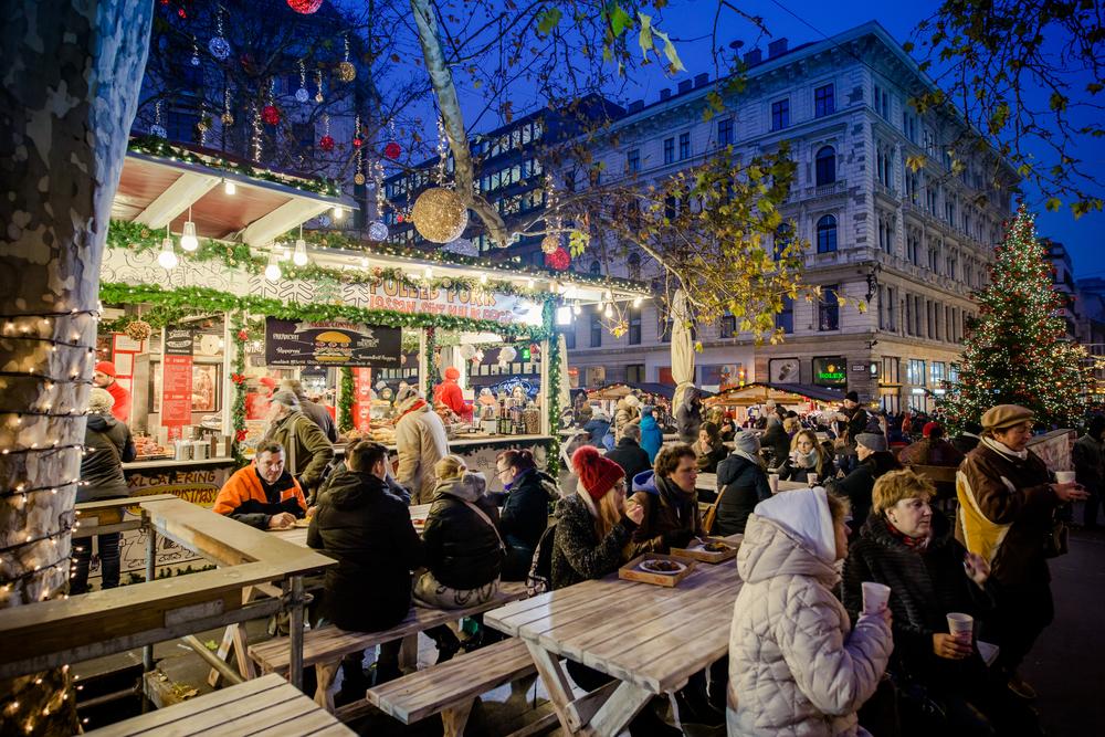 כריסמס בודפשט הונגריה שוק חג המולד
