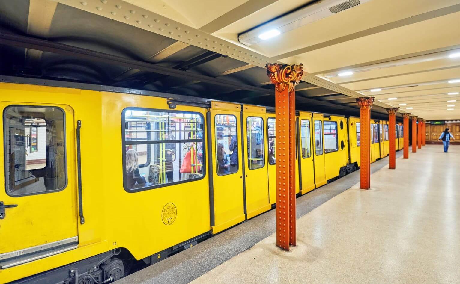 תחבורה ציבורית בבודפשט המטרו הצהוב קו מס. 1