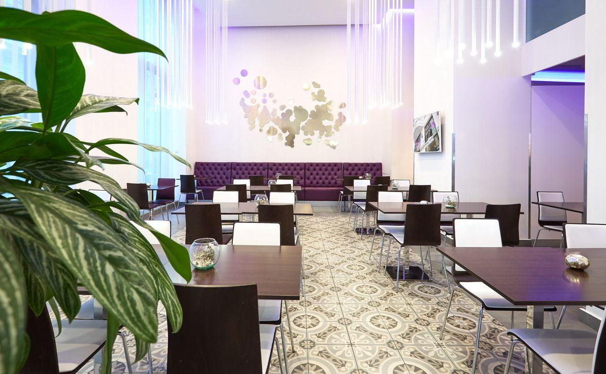 בתי מלון מומלצים ללינה בבודפשט מלון REVAY 12