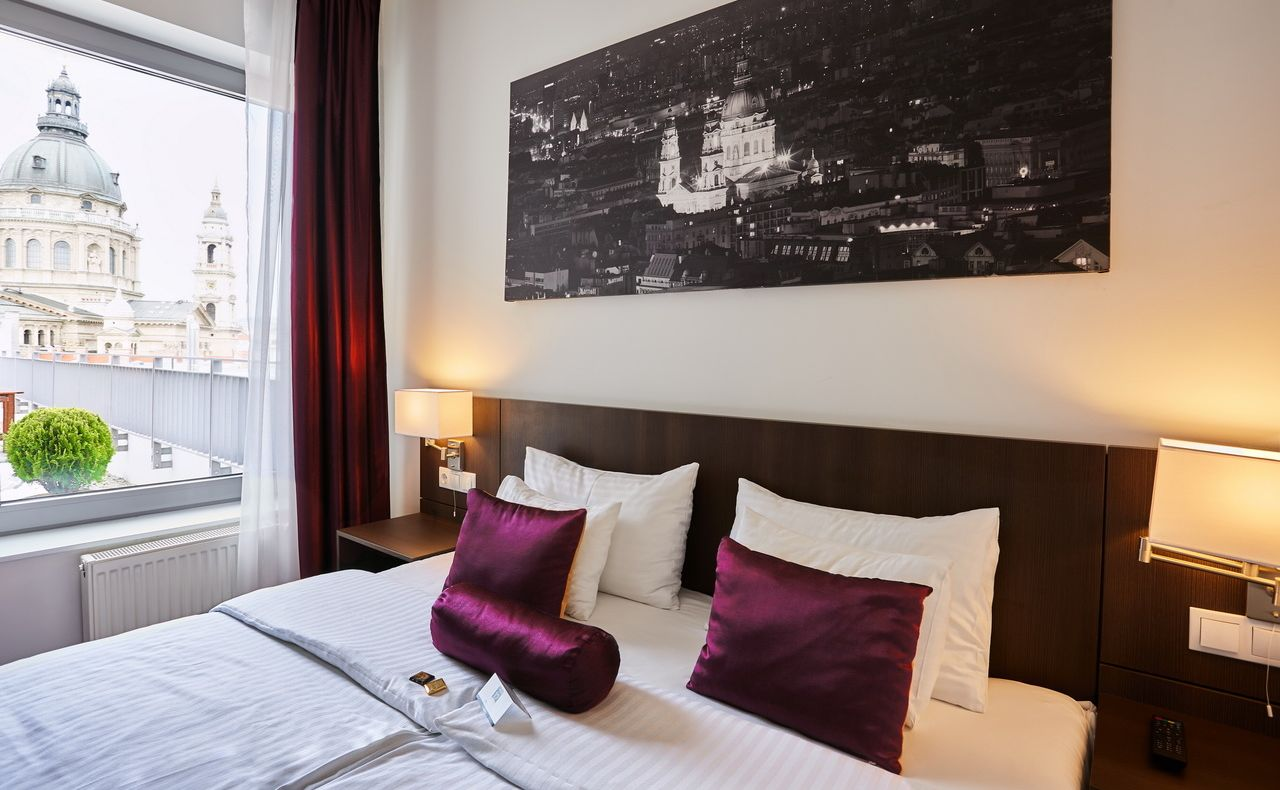 מלונות 3 כוכבים בבודפשט הונגריה מלון REVAY 12