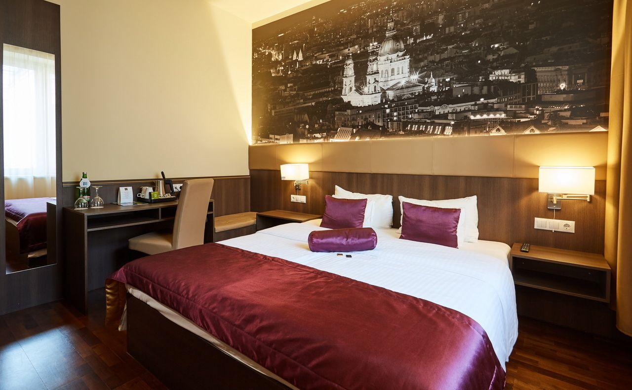 מלונות 3 כוכבים בבודפשט מלון REVAY 12 BUDAPEST