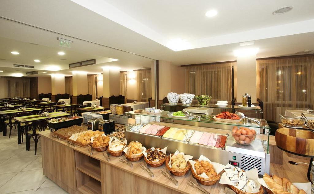 medos hotel budapest בתי מלון בודפשט הונגריה