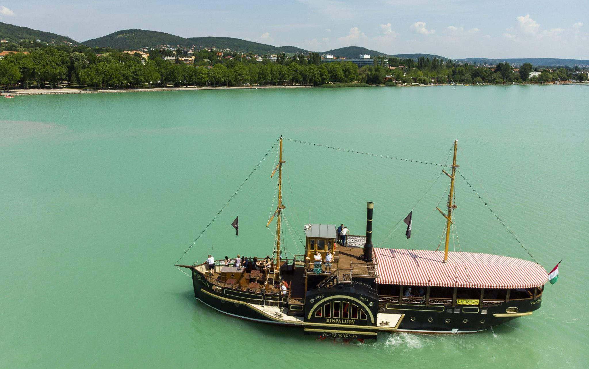 בודפשט בקיץ ביולי מזג אוויר - אגם בלטון
