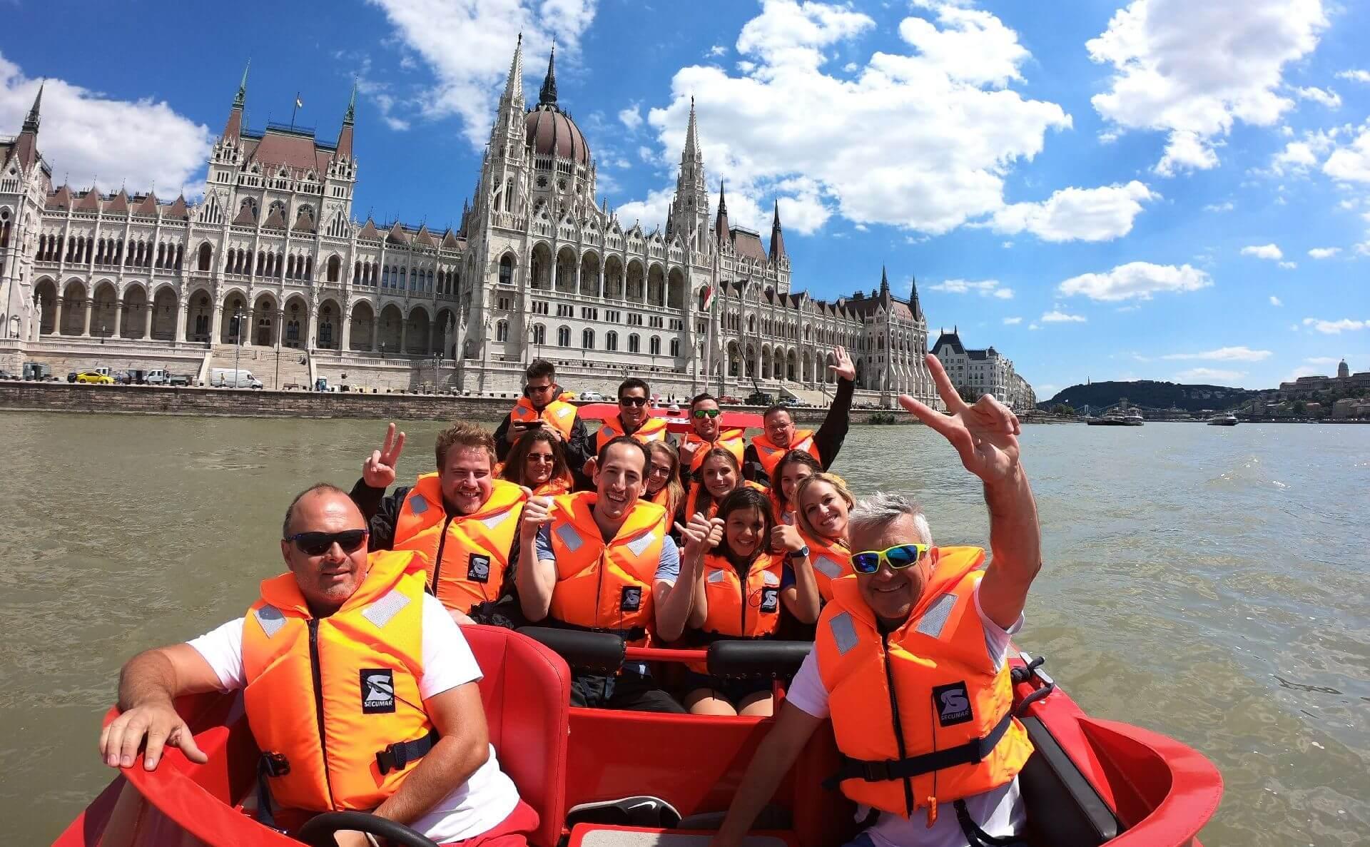 RedJet Budapest - סירת מנוע על נהר הדנובה